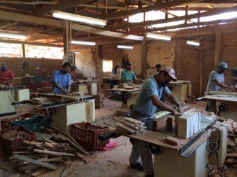 Skilled workers build cigar boxes